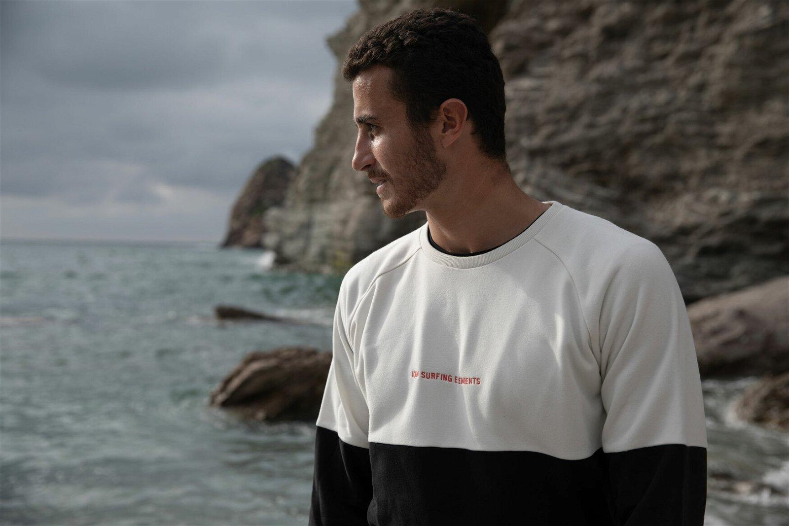 Sweater_Surfingelements_Front.jpg